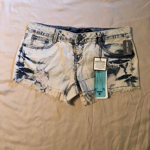 (NEW) Washed blue jean shorts